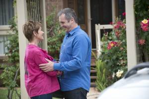 6590- Karl And Susan Share A Kiss On Ramsay Street – Officially Back Together (14)